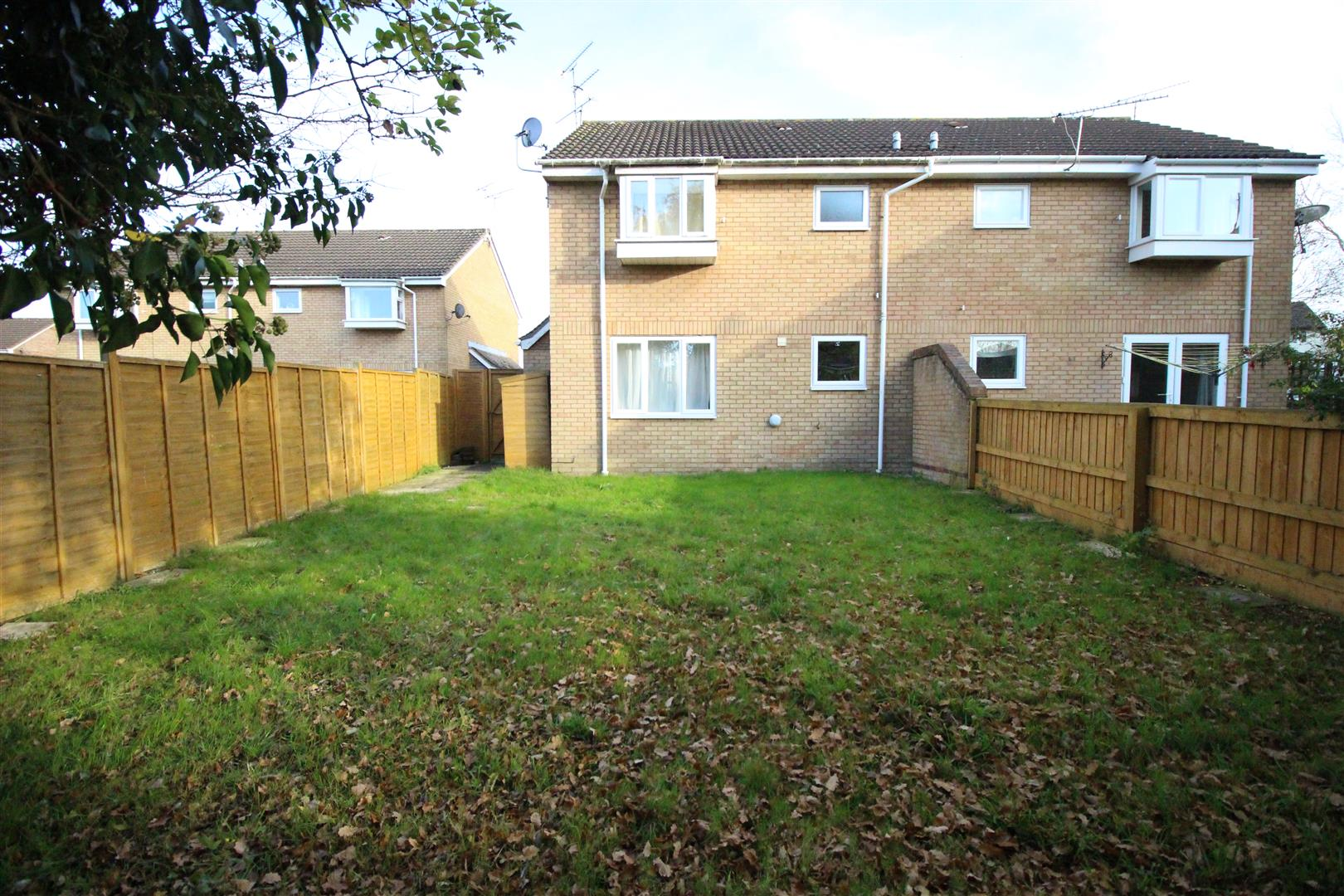 1 Bedroom Semi Detached House for sale in Boydell Close, Shaw, Swindon